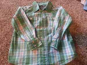 Boys long sleeve shirt size 4/5 from H&M - NEW LOWER PRICE! London Ontario image 1