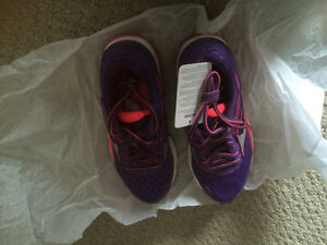 Brand new Women's  Mizuno Wave Inspire 12 running shoes