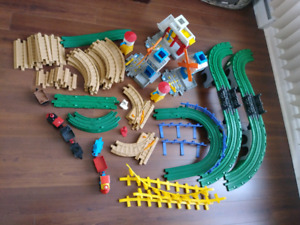 Lot 65 pieces Geo Trax GeoTrax Fisher Price