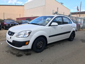 2009 KIA RIO BASE HAS JUST 119076 KMS BLUETOOTH WINTER TIRES !