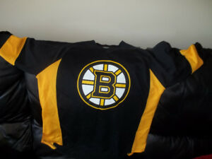 Boston Bruins Chara Jersey and Bruins Hoodie