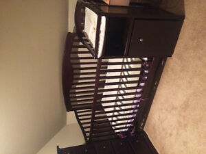 Convertible crib with changing table