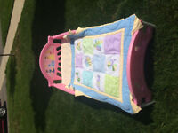 Little toddler bed, Wall Pieces and Matching Little Rug