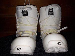Snowboard boots - womans