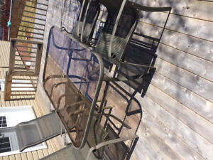 Patio furniture (set of table and 4 chairs)