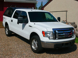 Ford F-150 4x4 Supercrew XLT Truck with FREE Pressure Washer