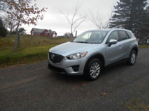 2016 Mazda CX-5 AWD Skyactiv **Only 4350 KLMS, Brand NEW**