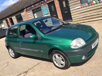 Renault Clio 1.2 petrol ideal first car, new mot ready to drive away cheap