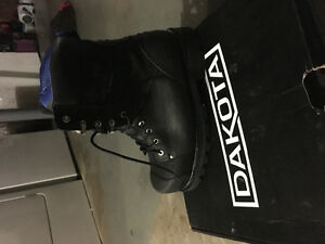 Dakota BRAND NEW steel toed boots from marks