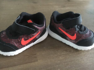 Nike Girl Baby Shoes Size 2C