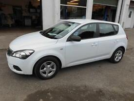 2010 KIA CEED 190 1.4 PETROL MANUAL 5 DOOR HATCH IN WHITE