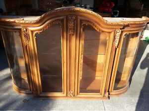 Two Piece Wood-crafted/ hand painted Hutch and Display Cabinet Windsor Region Ontario image 3