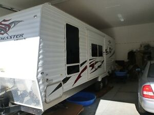 Sportsmaster travel trailer with slidout