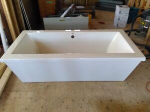 New Whirlpool Soaker Tub For Sale