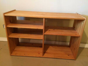 Pine Stereo Stand