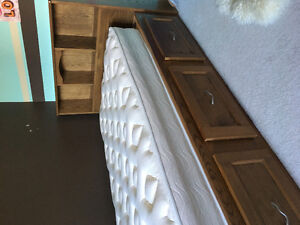 Solid Oak Twin Mates Bed