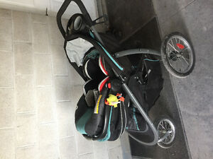 Graco car seat and jogging stroller