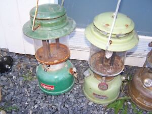 2 VINTAGE COLLECTIBLE COLEMAN AND GAS LANTERNS - 2 COPPER BOTTOM
