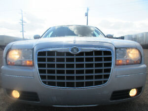 2006 CHRYSLER 300 TOURING SPORT PKG V6-SUNROOF-AMAZING SHAPE