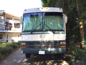 2001 National Surfside Motorhome RV- Excellent Conditions