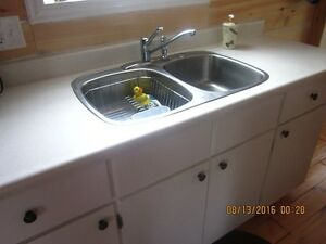 KITCHEN COUNTERTOPS, SINK AND TAP