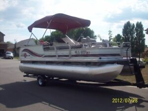 wanted !! pontoon boat
