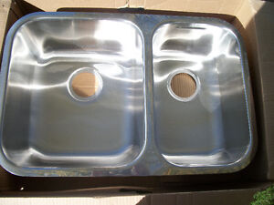 Kindred Brand new Double Under Mount Sink with accessories London Ontario image 1