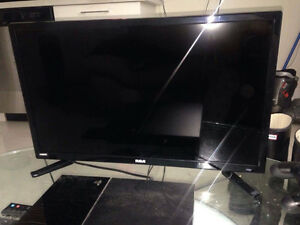 """24"""" LED HD ready HDMI TV only had 3 months like new"""