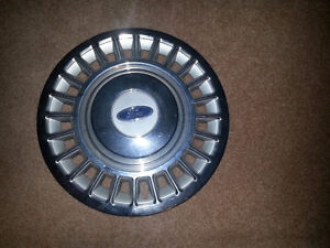 """Ford Crown Victoria 16"""" Hubcap"""