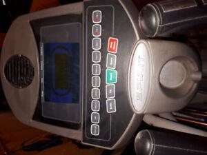 Spirit xe295 elliptical machine