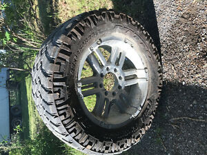 "35"" Truck tires and wheels 35x12.5 r20"