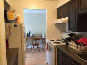 1 ROOM AVAILABLE IN 2 BDRM APT ALL-INCLUSIVE BYWARD MARKET