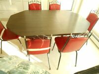 Vintage era kitchen table and chairs