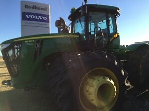 2013 JOHN DEERE 9560R WITH HY FLOW AND PTO...MINT