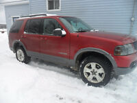 2oo5 Ford Explorer XLT  {{Sell OR Trade}}