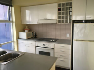 FURNISHED PRIVATE ROOM IN PERFECT DOWNTOWN LOCATION