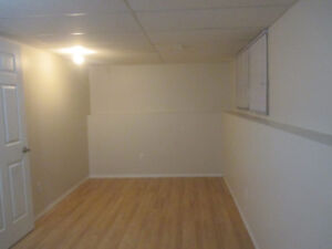 Room in Bowness - Calgary NW