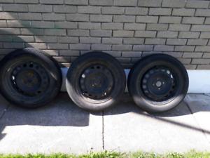 3 pneus d'été avec 3 rim