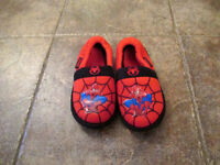 Pantoufles garcon Spiderman Gr 13-1 - Boy's Slippers - Size 13-1