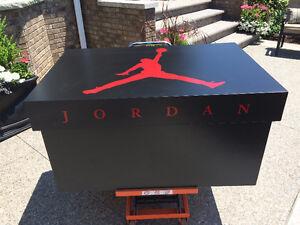 Giant Nike/Jordan Shoe Box Reduced