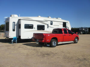2009   Jayco designer 5th wheel   why stay here  and freeze ...