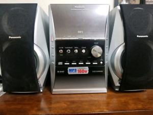 Panasonic CD stereo system mp3 with remote control