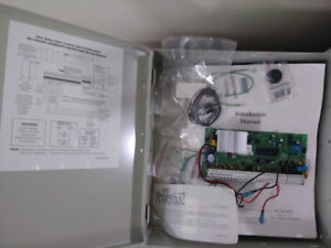 DSC 1555MX Security Controller with Mounting Box - Used
