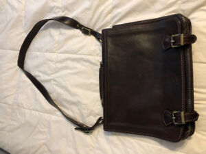 Men's Italian Leather Shoulder Bag - Brown