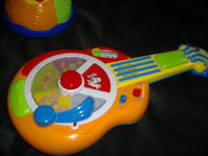 Leap Frog guitar, Bilingual maracas