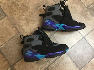 Youth Jordan basketball shoes, size 4