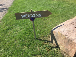 3 Wedding signs