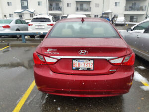 2011 Hyundai Sonata Limited with Navigation low KM accident free