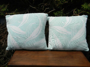 Set of outdoor pillows