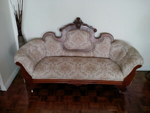 Beautiful Victorian Settee  at a REDUCED PRICE!!